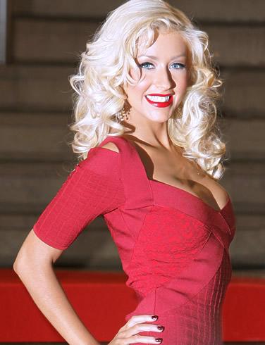 Aguilera: místo mateřské točí desku