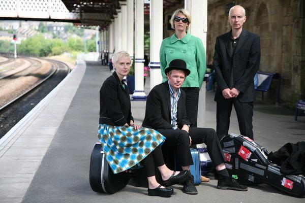 Chumbawamba se vrací do Prahy