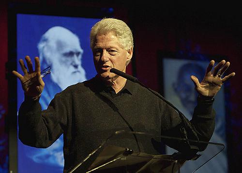 Hvězdy pomáhají Clintonovi