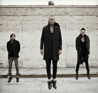 Zpěvák Linkin Park má bokovku