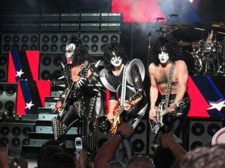 Kiss vám nahrají pražský koncert