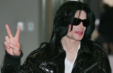 Michael Jackson ohlásil comeback