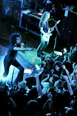 Alice In Chains: Spolu díky tsunami
