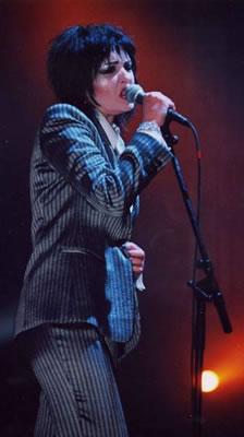 Siouxsie: Dáma s vykřičníkem
