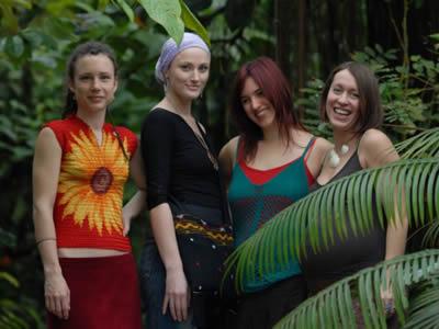 Yellow Sisters: Sing Singalana