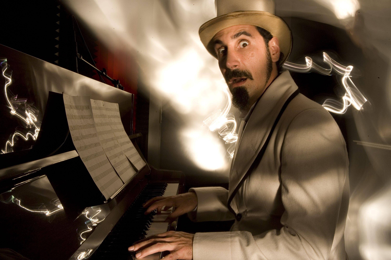 Serj Tankian vydá album již zítra