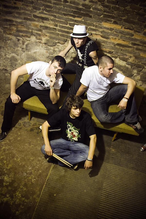 zakázanÝovoce: punk rock po česku