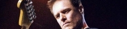 Bryan Adams: džínový rock v Praze
