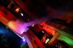 Arakain a Lucie Bílá v Hard Rock Café zazpívali nablýskaným strojům