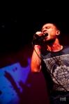 Pouliční performer DUB FX předvedl svoji show před nabitou Roxy