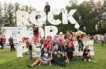 Rock for People oslavil v Českém Brodě 20 let existence. Blahopřáli Kryštof, Tata Bojs i Divokej Bill