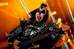Vyplazené jazyky, lasery, krev: do Česka se vrátili Kiss