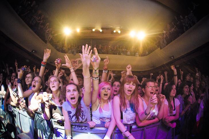 All Time Low jen zázrakem nezbořili pražský Palác Akropolis