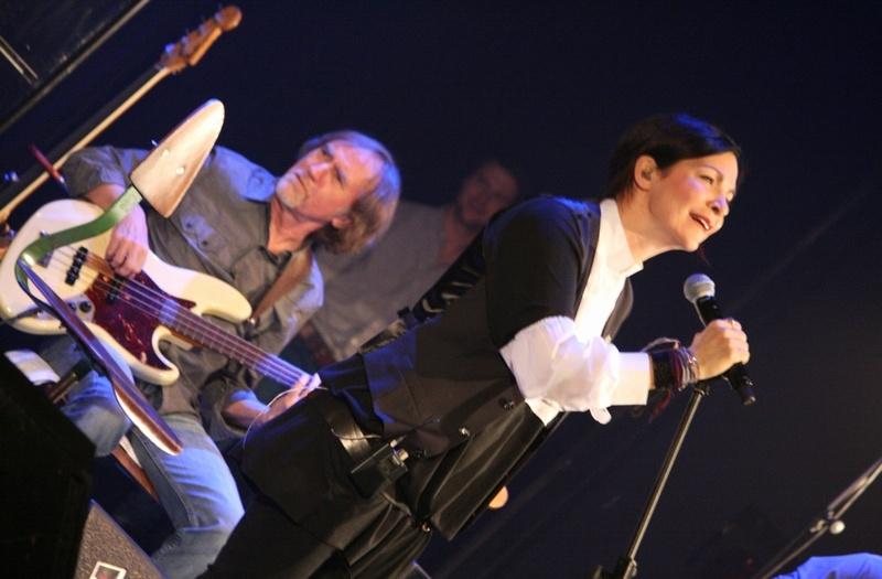 Anna K. na svém prvním akustickém turné nadchla vyprodané Divadlo Hybernia