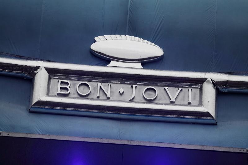 Bon Jovi po 20 letech v Česku vítal déšť a plný stadion