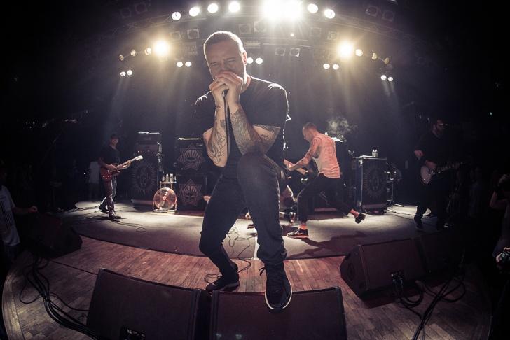 BoySetsFire nahradili fanouškům předchozí zrušený koncert