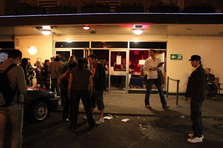 Chinaski vyjeli na turné, první zastávku si udělali v Londýně