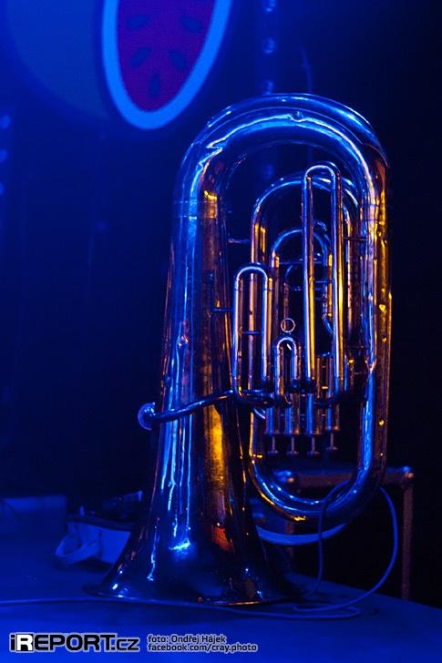 Devítičlenný norský soubor Jaga Jazzist vystoupil se svojí nabitou show v Praze