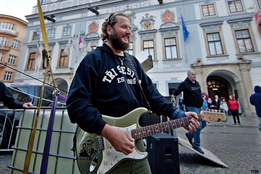 Divokej Bill pomohl Českým Budějovicím s oslavami 750 let města
