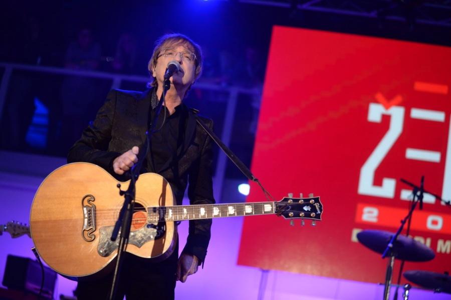 Žebřík Bacardi Music Awards: Večer plný hudby, sošek a zábavy