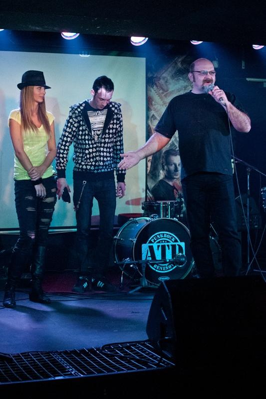Groupie v Rock Café: Zakázaný ovoce pokřtilo absinthem nový klip