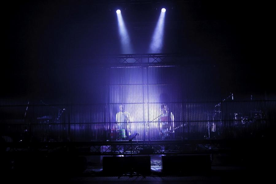 Kbelíky místo bicích, květináč namísto kytary: Tata Bojs se připravují na turné