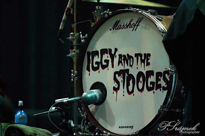 Kmotr punku Iggy Pop svléknul triko ve Frýdku-Místku