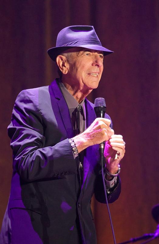 Leonard Cohen v O2 Areně: publikum vítalo umělce vestoje