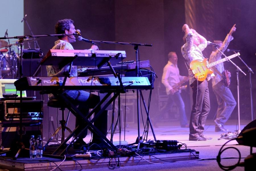 Level 42 zvedli fanoušky ze židlí, předvedli bezchybnou show