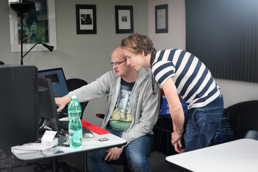 Making of: Bára Poláková, Tomáš Hanák, Tomáš Klus, UDG a Miro Žbirka natáčeli spot Žebříku