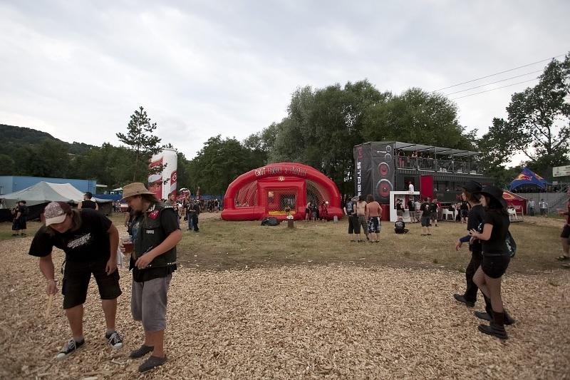 Masters of Rock I.: festival zahájili Hammerfall, Moonspell a další