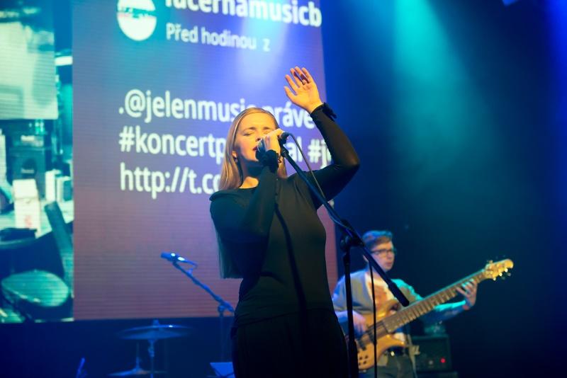 Michal Hrůza, David Koller i Jelen podpořili v Lucerna Music Baru Nepál