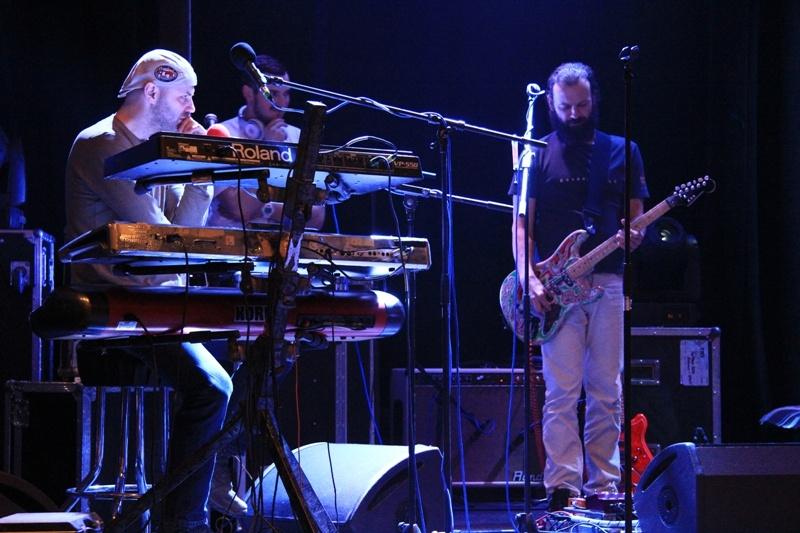 Monkey Business  a PSH vyrazili na společné turné, první koncert odehráli v Jablonci nad Nisou