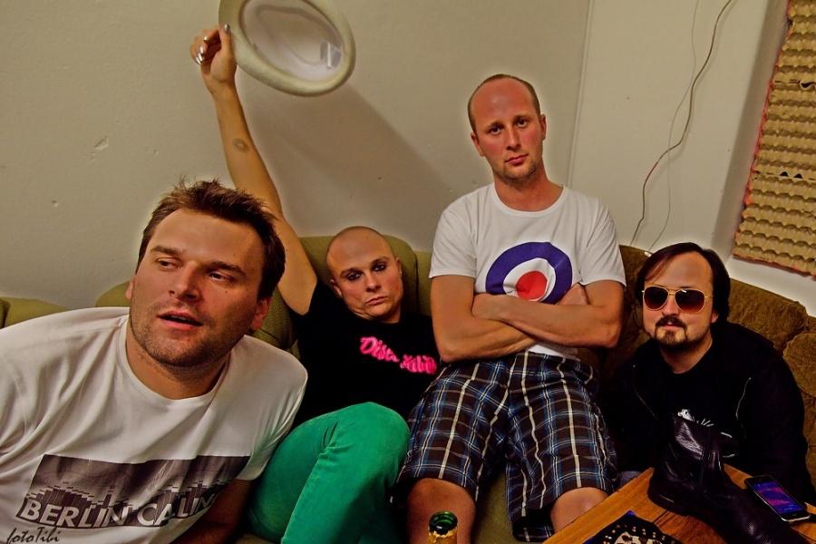 Poslední koncert Love Gangsters: rock'n'roll i dámské kalhotky