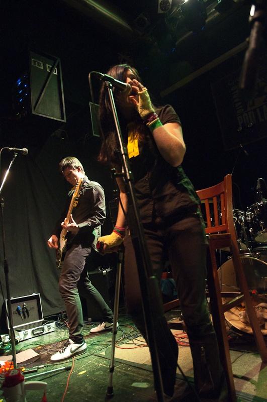 Punkeři Tight Finks ze Švýcarska absolvovali turné po ČR, zavítali také do Plzně