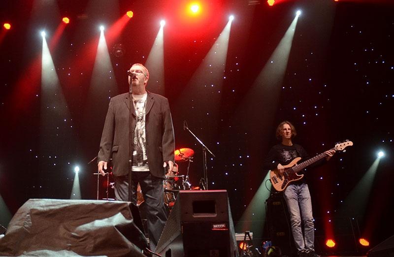 Richard Müller, Xindl X, Škwor a Vypsaná fixa hostovali na ledě Komety Brno