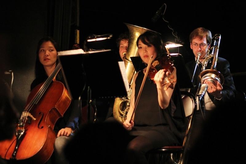 The Brandt Brauer Frick Ensemble přivezli do Prahy minimal techno v pojetí klasických nástrojů
