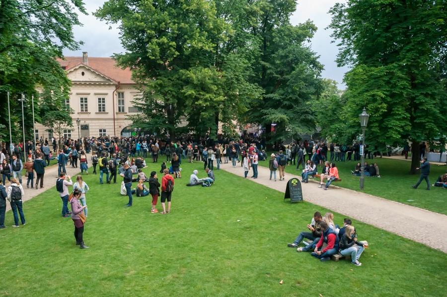 United Islands of Prague: Pátek patřil Zrní, Mydy Rabycad i exotické raperce Alo Wala