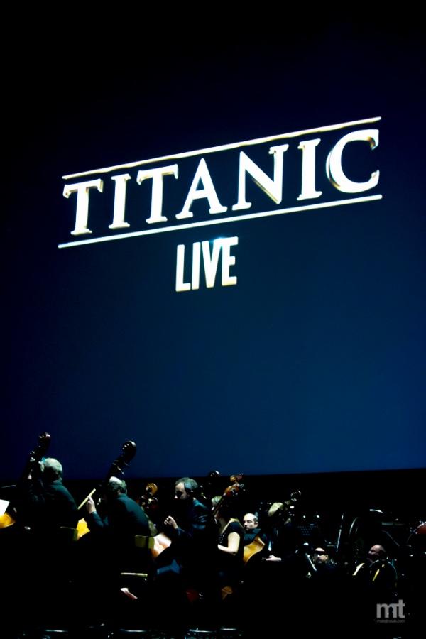V O2 areně se za doprovodu Českého národního symfonického orchestru opět potopil Titanic