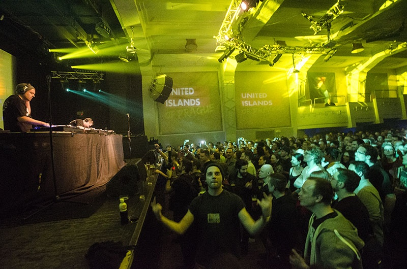 Vinylová show DJ Shadowa a Cut Chemista v Roxy