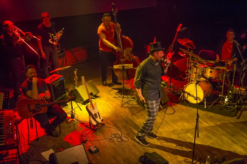 Xavier Baumaxa představil Pijano, skladby o lásce a alkoholu