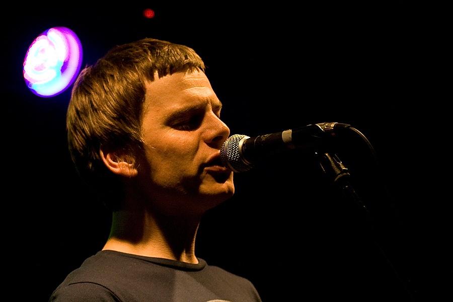 Zrní v brněnském Metro Music Baru: beatbox i akordeon